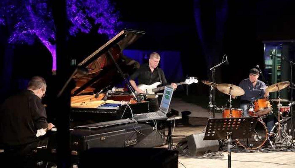 Roberto-Gatto-Perfect-Trio-ad-Albinea-1024x668[1] copia